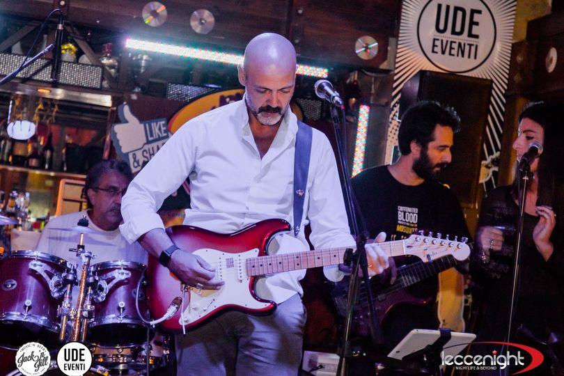 V17 live pink floyd tribute band