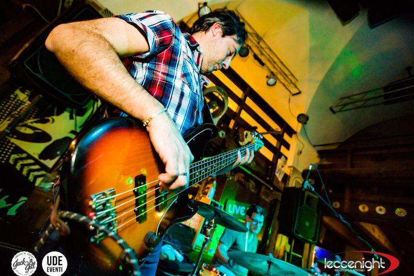 Rocking fingers - dire straits tribute