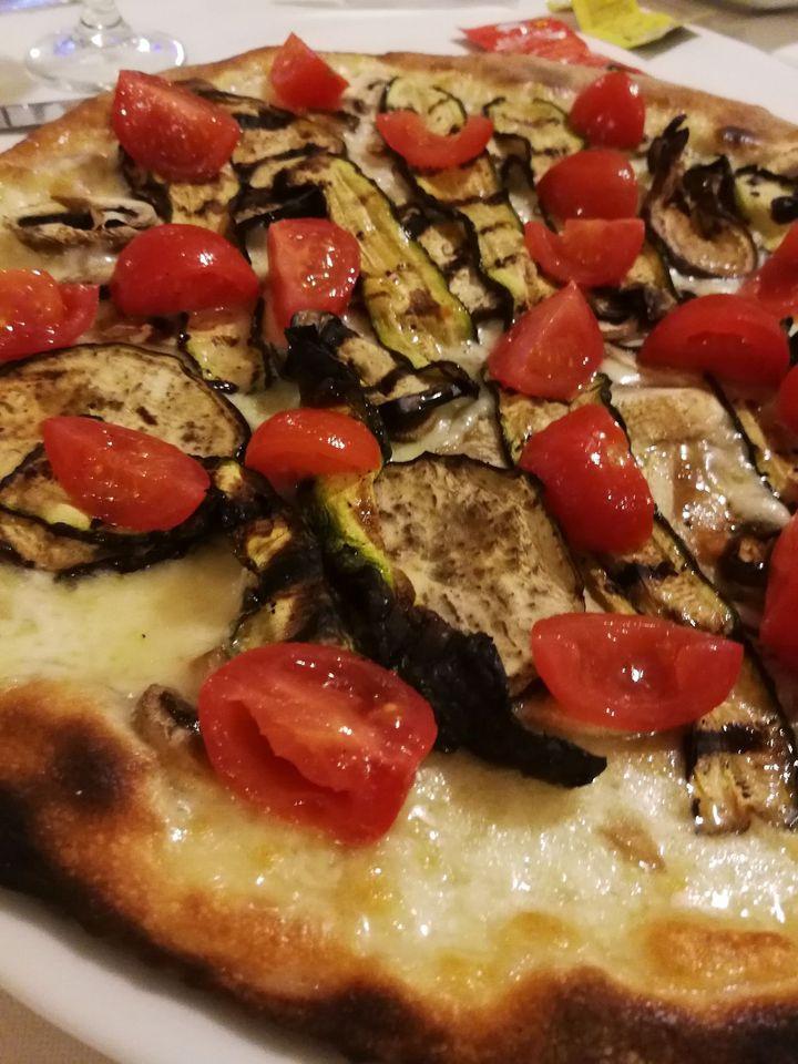 Pizza Salentina grazie a Sandro il nostro pizzaiolo