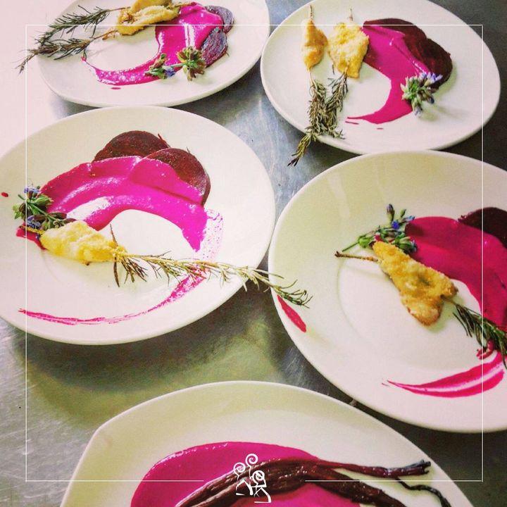 Spiedini di rosmarino con ricciola su vellutata di bietola rossa #lunch #pranzo